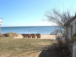 Bayshore in the East End 1Br with water view (Comm'l at Howland)