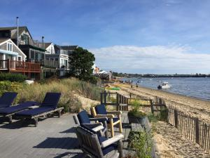 Fishermans Cove 1Br with beach